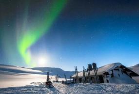 重庆直飞去芬兰一地看极光8日游最新报价(跨北极圈证书)