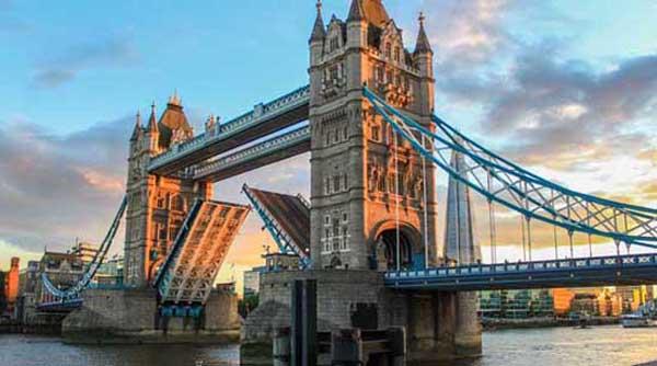 天津航空直飞伦敦英国+爱尔兰2国11天跟团亚博体育app下载地址报价(含服务费+酒店税/全程wifi)